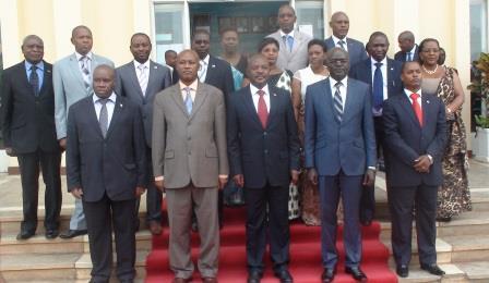 Le gouvernement du Burundi.